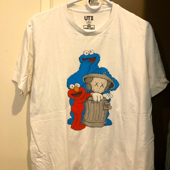 Uniqlo t shirts
